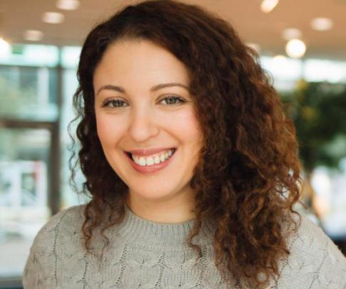 Assia Benziane – Ambassadrice de l'œuvre E-Pixie NOTES